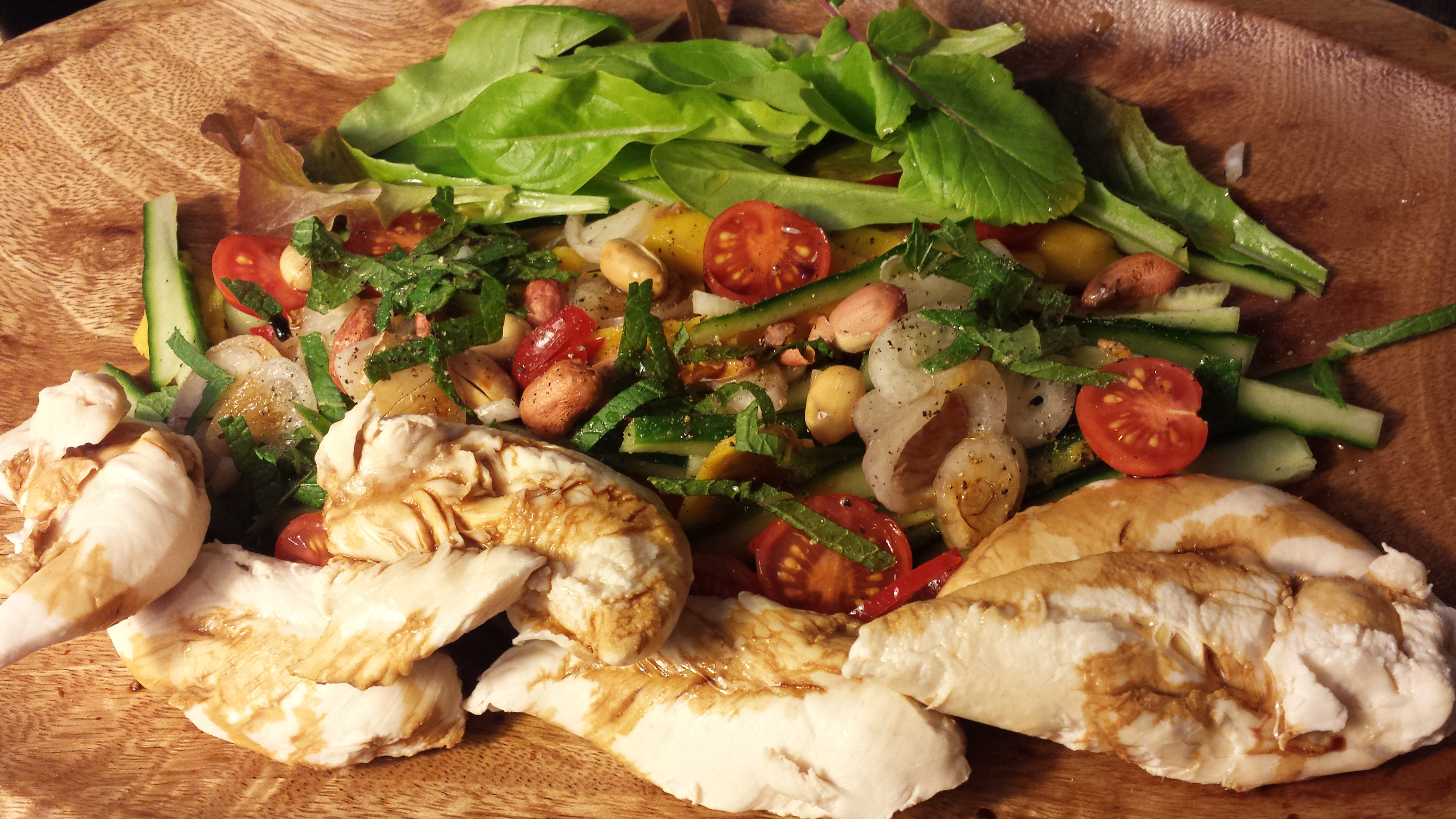 The Weekly Salad – Mango & Chicken Salad
