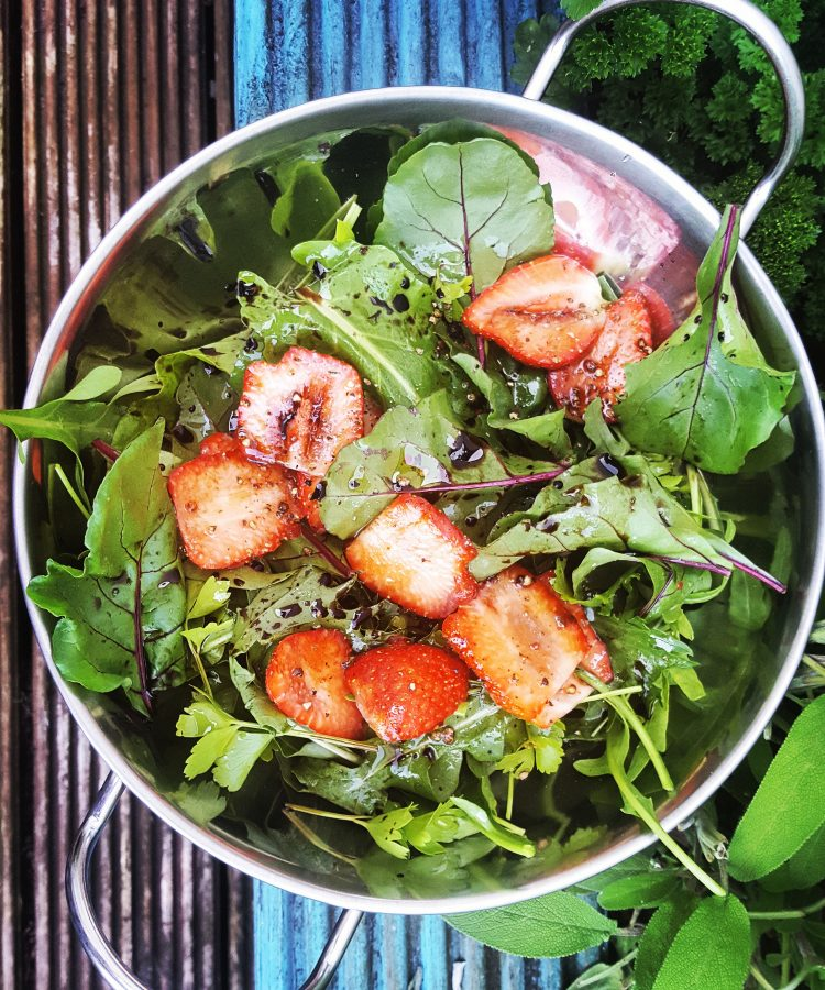 Strawberry-salad-properfood
