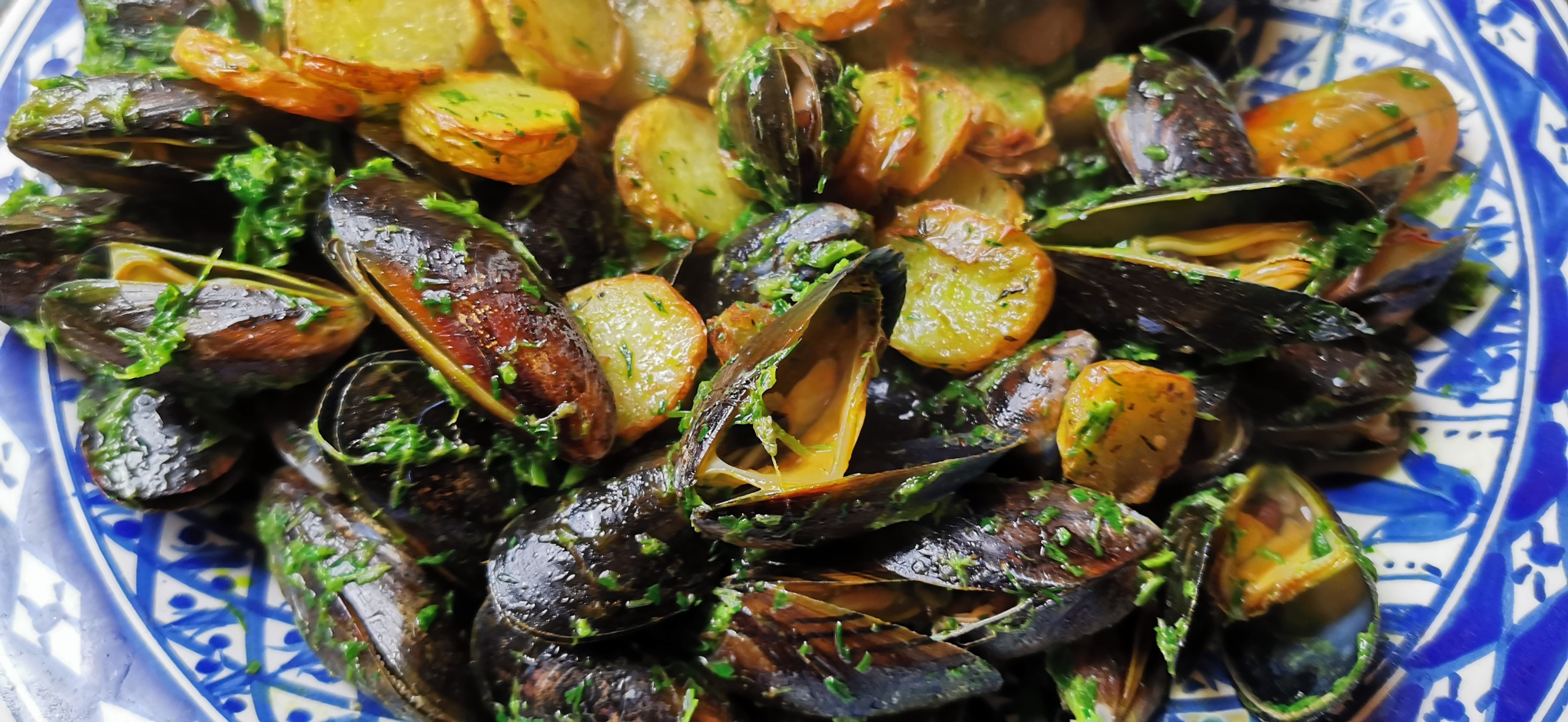 Moules Frites Au Beurre Vert – Herb Butter Mussels And Fries