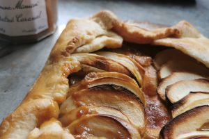 QUICK APPLE AND CARAMEL TART RECIPE