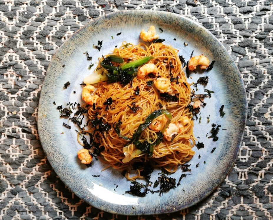 EGG NOODLES AND DUBLIN BAY PRAWNS STIR-FRY