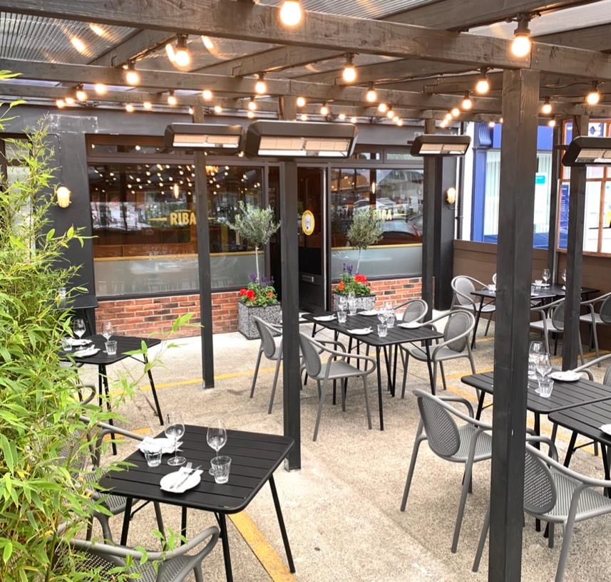 RESTAURANTS AND CAFES WITH OUTDOOR SEATING IN IRELAND