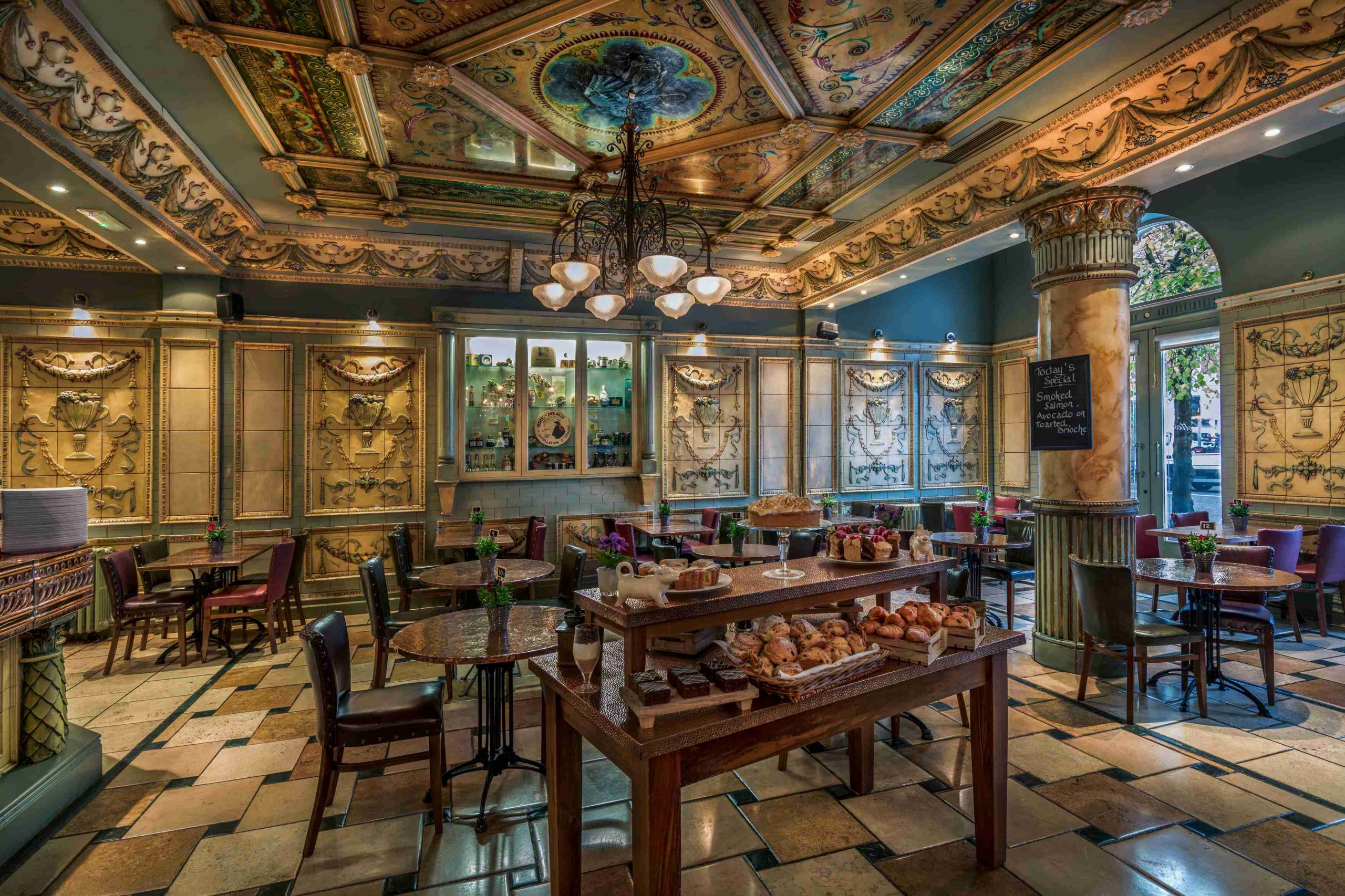 TOP URBAN HOTELS FOR FOOD LOVERS IN IRELAND